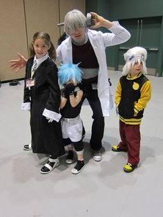 Raising kids: you're doing it right. (Soul Eater - Dr Stein/Maka/Soul/Black Star - Sakura-con 2011)