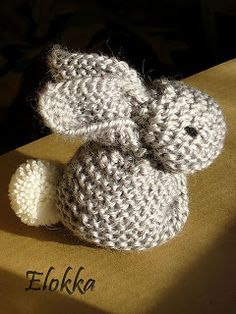 The Nutty Knitter's blog: February 2012