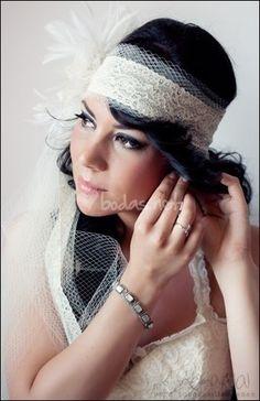 Foto de Neima Pidal Fotografía - www.bodas.net/fotografos/neima-pidal-fotografia--e20909 #bride #headpiece