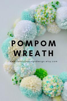 How To Make A Pom Pom, How To Make Diy, Crafts To Make, Diy Crafts, Classy Christmas, Merry Little Christmas, Pom Pom Wreath, String Crafts, Pom Pom Crafts