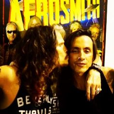 I just love Nuno Bettencourt! Nuno Bettencourt, I Love Him, My Love, Steven Tyler, Aerosmith, Man Humor, Photo And Video, Guys, Music