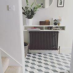 House Entrance Hallway Grey Walls 28 Ideas - New ideas Hallway Shelf, Grey Hallway, Hallway Storage, Radiator Shelf, Painted Radiator, Radiator Cover, Hall Tiles, Flur Design, Hallway Designs