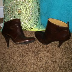 """Brown Ankle Boots. Nine West. Perfect for fall/winter. Comfy. Nine West. Trendy Dark Brown color. Size 10. Box available. """"Tidelr"""" Nine West Shoes Ankle Boots & Booties"""