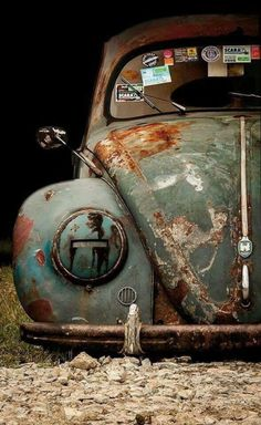 Check out Air-cooled vintage VW Beetles, Ghias and Buses for sale because half the fun in Buying a classic Volkswagen is looking at all the photos and video Vw Bus, Vw T1 Camper, Carros Vw, Automobile, Kdf Wagen, Rat Look, Vw Vintage, Vintage Trucks, Rusty Cars