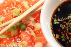 Salma sashimi og ponzusaus