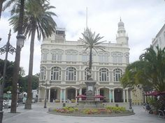Plaza de Cairasco-Gabinete Literario - Las Palmas de Gran Canaria