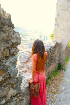 Bright colours, feminine flair, textured & natural hair, boho bag, and exotic travel.