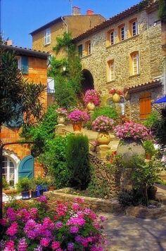 Terrace Garden, Bormes-les-Mimosas, France photo via stella - Blue Pueblo