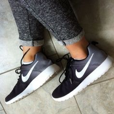 d753d28fb56f Fitness Women s Clothes - Nike Roshe Run in Black White Ombre excellent condition