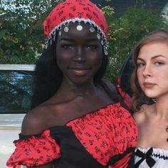 beautiful black women models in swimsuits Beautiful Dark Skinned Women, Beautiful Black Women, Black Girl Makeup, Girls Makeup, Lola Chuil, Dark Skin Beauty, Black Beauty, Pretty Black Girls, Hannah Montana
