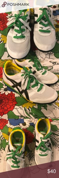 Retro ONITSUKA TIGER Sneakers Super fly kicks sporting a 70s track style. Tigers are designed in Japan & super trendy. Comfy & stylish street fashion! Worn 2 times. Like new condition with brand new laces and no wear on sole. Onitsuka Tiger by Asics Shoes Sneakers