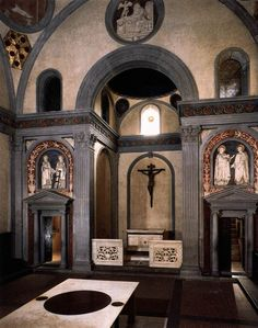 Filippo Brunelleschi. Old Sacristy, view toward the chancel, S. Lorenzo. Florence. 1421-28  #Brunelleschi #architecture