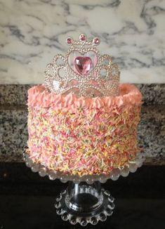 Princess Birthday Cakes: Ideas for Your Party - Novelty Birthday Cakes 2 Year Old Birthday Cake, 4th Birthday Cakes, Novelty Birthday Cakes, 4th Birthday Parties, Birthday Ideas, Birthday Board, 1st Birthdays, Tiara Cake, Bday Girl