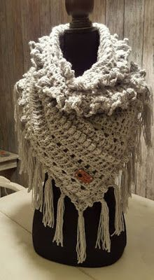 Als ik thuis ben: EsMeij's Dutch Scarf Crochet Wool, Love Crochet, Crochet Scarves, Crochet Shawl, Diy Crochet, Loom Knitting, Knitting Patterns, Crochet Triangle, Shawl