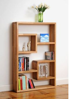 Here are a few bookshelf decor ideas along with some of the coolest and most unique bookshelves I've ever seen! Oak Bookshelves, Creative Bookshelves, Bookshelf Design, Bookshelf Ideas, Wooden Bookcase, Bookshelf Decorating, Modern Bookshelf, Rustic Bookshelf, Crate Bookshelf