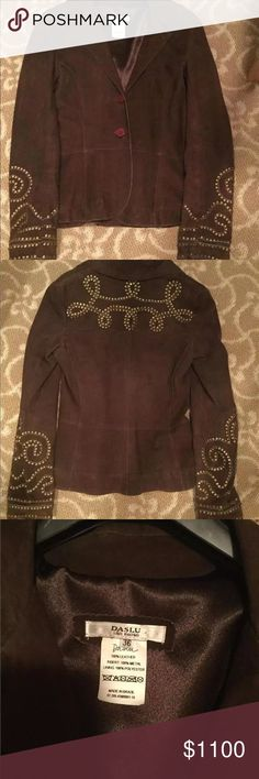 """DASLU CHOCOLATE BROWN SUEDE  BRASS STUDDED JACKET DASLU CHOCOLATE BROWN SUEDE  BRASS STUDDED JACKET SIZE 36 WHICH EQUALS A US 0-2 BOUGHT AT NEIMAN MARCUS $1995 MEASURES FROM UNDERARM ACROSS 16 1/2"""" FROM SHOULDER TO END OF SLEEVE 23 1/2"""" FROM TOP OF COLLAR TO HEM 23 1/2"""" BEAUTIFULLY MADE daslu Jackets & Coats"""