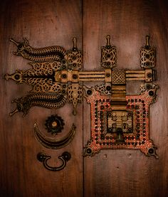 """my-spirits-aroma-or: """" The age old traditional lock of Kerala, India which adorns the doors of fabulous old mansions by Suresh Menon """" Door Knobs And Knockers, Knobs And Handles, Door Handles, Old Doors, Windows And Doors, Metal Doors, Art Populaire, Door Detail, Old Mansions"""