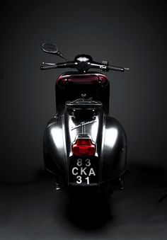 VESPA GT 125 CLASSIC NEVER DIES Black and White