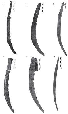 Fig. 3 - Pumnale sica din Oltenia. 1. Corneşti (foto A.Cotorogea), 2. locaţie necunoscută în Mehedinţi County (apud Istrati 1913), 3. Orodel (foto M. Amarie), 4-5. Rast (foto M. Amarie), 6.Padea (foto D. Bondoc).