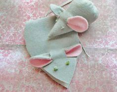 Handmade Pin Cushion Mouse Pin Cushion and Needlebook, Handmade, Suede Cloth Gray Needle Book