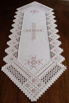 Spectacular HARDANGER Embroidery - TABLE RUNNER - handmade from Germany