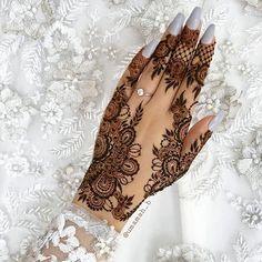Henna designs - 51 Beautiful Mylanchi designs for hands – Henna designs Henna Hand Designs, Eid Mehndi Designs, Pretty Henna Designs, Wedding Henna Designs, Modern Henna Designs, Khafif Mehndi Design, Indian Henna Designs, Henna Tattoo Designs Simple, Stylish Mehndi Designs