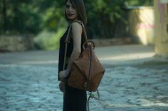 Οι χειροποίητες δερμάτινες τσάντες Larou και η ακαταμάχητη γοητεία του antique look / Made in Greece / Woman TOC