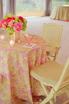 Chinoiserie/toile tablecloth for spring dining