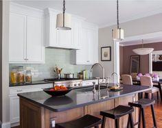 . Keuken model Portsmouth  Engelse stijl maatwerk, composiet steen gezoet, Dornbracht kranen  #interieur & #keukens