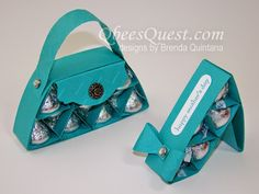 """This month's Hershey's Tutorial has a lot of """"purse-natility"""". The Hershey's Purse and Shoe would make the perfect favor o. Hershey Candy, Hershey Kisses, Hershey Chocolate, Treat Bags, Gift Bags, Candy Crafts, Chocolate Bouquet, Best Candy, Candy Bouquet"""