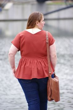 """Inspiration Trop-Top """"formes généreuses"""" : la blouse ajustée (grâce à des pinces devant et derrière)"""