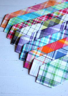 The Beau- NEW men's preppy plaid collection neckties- choose your favorite print Groom And Groomsmen Looks, Best Dressed Man, Rainbow Wedding, Looks Style, Men's Style, Cool Ties, Skinny Ties, Attractive Men, Preppy