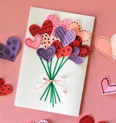 carte-de-voeux-personnalisée-bouquet-de-fleurs-pétales-en-forme-de-coeur-tiges-dessinés-au-feutre-cadeau-fete-des-meres