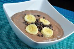 Delicious ricotta dessert with a high protein content that you can enjoy, for example, for breakfast as well. This chocolate-ricotta mousse is nutritionally balanced and has a d. Stevia, Dessert Ricotta, Queso Ricotta, Post Workout Snacks, Vegetarian Cheese, Chocolate Flavors, Fresh Fruit, Oatmeal, Low Carb