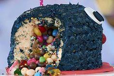 Aprenda a fazer em casa o Bolo Piñata do Bake Off Brasil