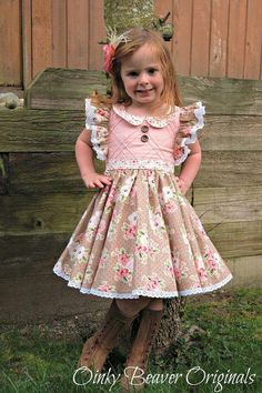 Clementine Vintage Style Dress with Extended Flutter Sleeves PDF Sewing Pattern New! Clementine Vintage Style Dress with Extended Flutter Sleeves PDF Sewing Pattern Baby Frocks Designs, Kids Frocks Design, Baby Dress Patterns, Baby Clothes Patterns, Little Girl Dresses, Vintage Girls Dresses, Fashion Kids, Trendy Fashion, Fashion Outfits