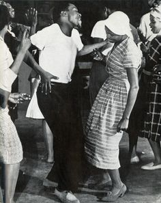 Joe Mogotsi and Miriam Makeba rehearsing for 'King Kong', a jazz opera about a boxer in South Africa. Black Love, Black Is Beautiful, Black And White, Shall We Dance, Lets Dance, Vintage Black Glamour, Lindy Hop, Mode Vintage, Dance Photography