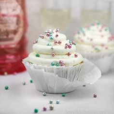 these are pretty.... maybe holidayish if we did gold and silver sprinkle ball things??? @Britt Tuite