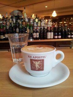 Kurze Pause mit lecker Cappuccino