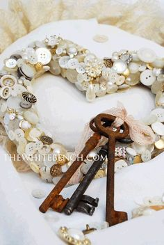 DIY: Button Wreath Tutorial.