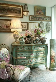 vintage taken to the max..love the color of the chest & that awesome side chair