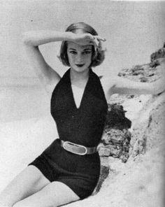 195. JEAN PATCHETT VOGUE KNITTING FALL WINTER 11 1951 VER.2 22222 - Jean Patchett Vogue Knitting Editorial photo Fall