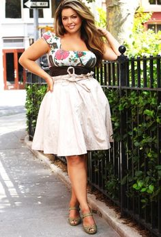 20. Wear It Now - 20 Fab #Style Tips for plus Size Ladies ... → #Fashion #Rectangular