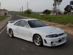 Nissan skyline gt-r 33