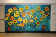 Sunflower mural for preschool . Measure kids 3 times in the year and put a small paper flower at their height with maybe even a picture of them. Art Auction Projects, Class Art Projects, Murals For Kids, Art For Kids, Kids Fun, Kindergarten Art, Preschool Art, Garden Mural, School Murals