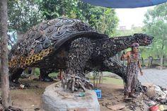 - Artist :Ono Gaf  Photo :Gina Sanderson #Sculpture #Turtle #JunkArt