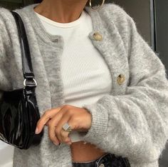 """autumn fashion is all about black heeled boots, oversized blazers, long coats and chunky cardigans"" Mode Outfits, Casual Outfits, Fashion Outfits, Fashion Ideas, Fashion Tips, Fashion Clothes, Fashion Beauty, Fashion Hacks, Beauty Style"