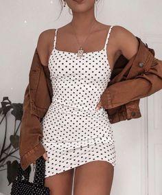 poka dot dress spring fashion trendy fashion fashion inspo brown jacket mini skirt white mini skirt trendy outfit - Mini Skirts - Ideas of Mini Skirts Mode Outfits, Dress Outfits, Fall Outfits, Summer Outfits, Fashion Outfits, Dress Fashion, Fashion Belts, Mini Skirt Outfits, Paris Outfits