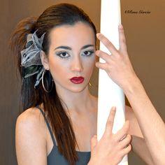 El maquillaje ha sido realizado por nuestro equipo de Leticia Campos y otorga a la modelo una mirada seductora. Con una sombra con tonos grises de acabado mate y aterciopelado, es un maquillaje que se mantendrá perfecto todo el día. http://beautyteam.es/juego-de-grises-con-tania/