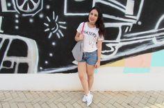 Look T-shirt, jeans e allstar. Mais sobre: cubodeacucar.com